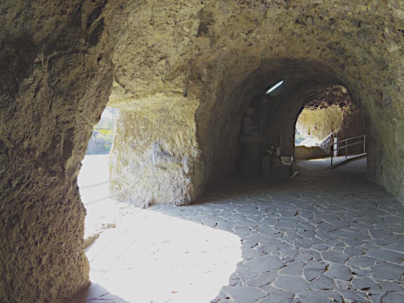 洞門内部の様子